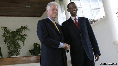 Bill Clinton meets Rwandan President, Paul Kagame