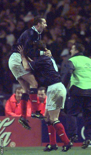 Don Hutchison celebrates his goal for Scotland at Wembley in 1999