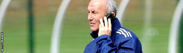 Tony Pulis on the phone