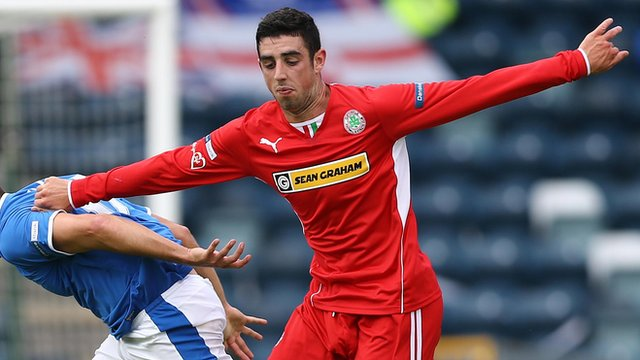 Joe Gormley in action against Linfield at Windsor Park