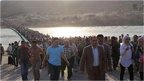 VIDEO: Thousands of refugees leave Syria
