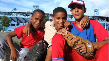 Children outside Industriales' stadium
