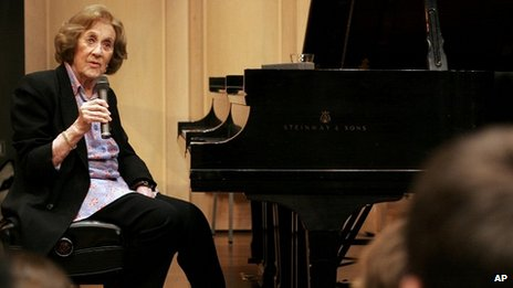 Marian McPartland gives a music masterclass