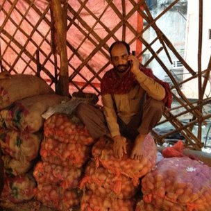 Vendors are having to guard their stocks of onions from thieves