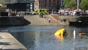 The sinking duckboat