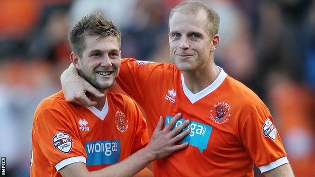 Tom Barkhuizen (left) scored the winner