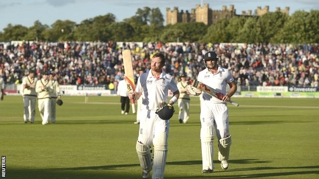 Ian Bell walks off at Chester-le-Street