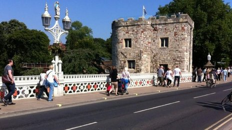 Lendal Bridge without vehicles
