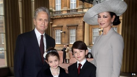Michael Douglas, Carys Douglas, Dylan Douglas and Catherine Zeta Jones in 2001