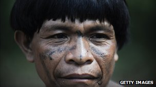 A Yanomami man of the Irotatheri community