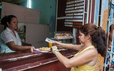Buying food from a private cafeteria in Havana