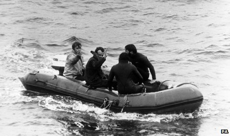 Lifeboat with Chapman and Mallinson on board
