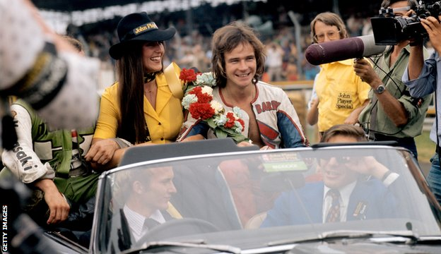 Sheene on a lap of honour