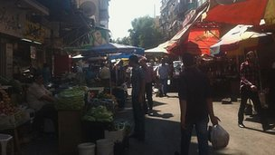 People shopping in Damascus