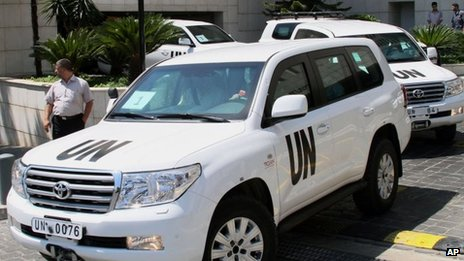 UN experts leave a hotel in Damascus, Syria, 30 August, 2013