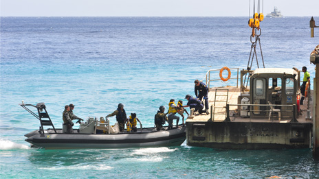 Suspected refugees arrive at Christmas Island