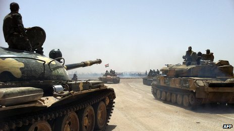 Syrian army tanks (2 June 2013)