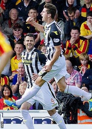 St Mirren scorer Kenny McLean