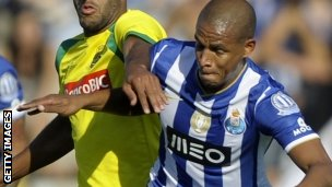 Fernando (right) in action for Porto