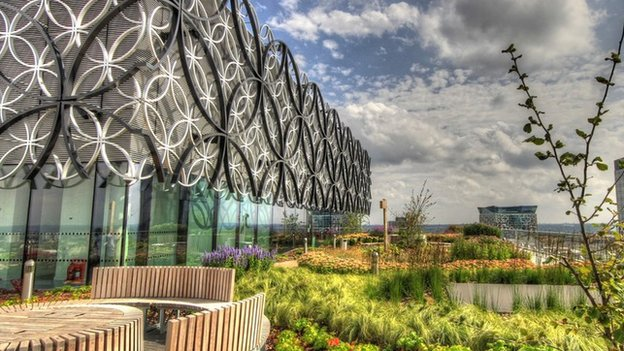 BBC News - Birmingham Library: Is the £189m price tag justified?