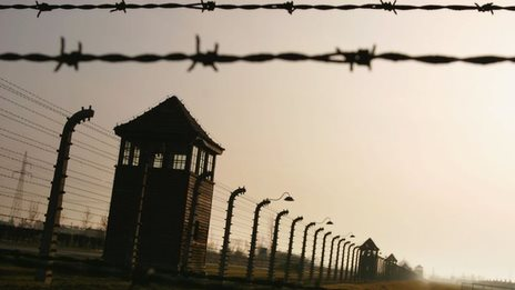 Germany pursues Auschwitz guards
