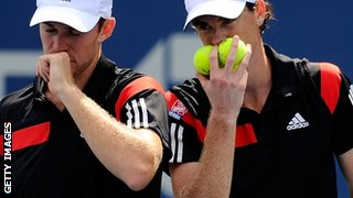 John Peers and Jamie Murray (right)