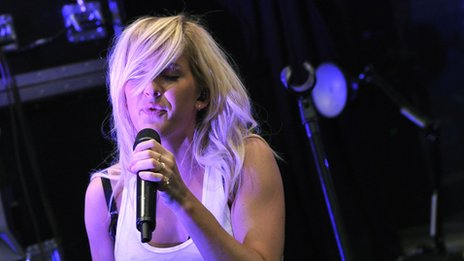 Ellie Goulding performs a live session for Zane Lowe's show