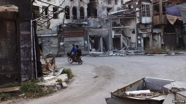 Men in besieged area of Homs (4 September)