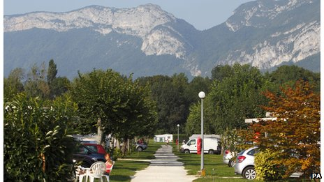 A general view of Le Solitaire du Lac campsite on Lake Annecy, France