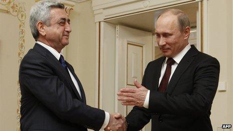 Armenian President Serge Sarkisian (left) with Russian President Vladimir Putin, 12 Mar 13