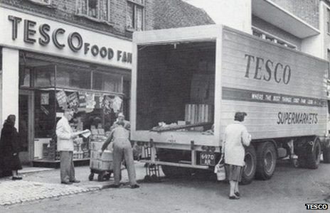"Staff deliver goods to the first ""self-service Tesco in St Albans, Hertfordshire in 1948"