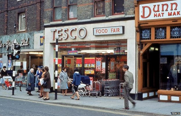 A Tesco store pictured in the 1960s/70s. (c) Tesco