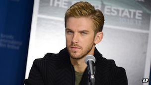 Dan Stevens at the press conference for The Fifth Estate in Toronto