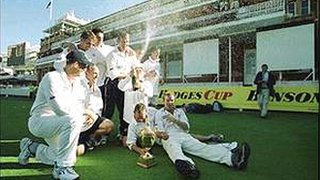 Gloucestershire celebrate at Lord's, 2000