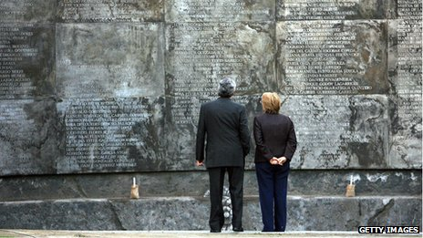 Former president Michelle Bachelet at the Villa Grimaldi memorial in 2006