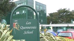 Les Quennevais School