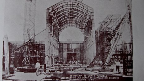 A picture of the building work on the Capitolio from June 1927