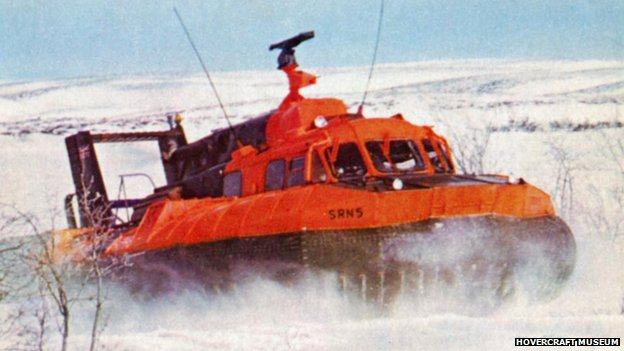 SR.N5 Hovercraft in cold weather training