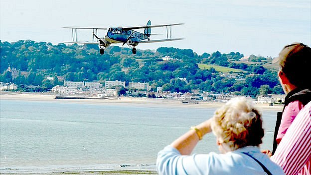 DH84 Dragon at the Jersey International Air Display