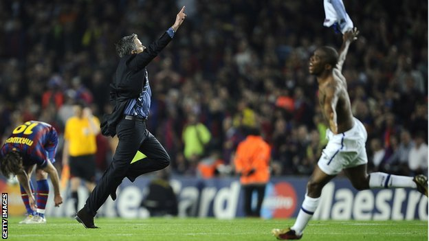 Jose Mourinho and Samuel Eto'o celebrate Inter Milan's Champions League semi-final victory over Barcelona in 2010