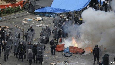 Police enter Zocalo Square in Mexico City