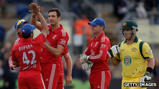 Steven Finn and Aaron Finch