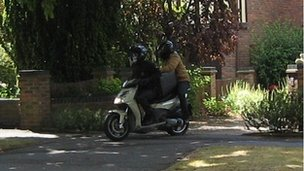 Thieves leaving home on moped