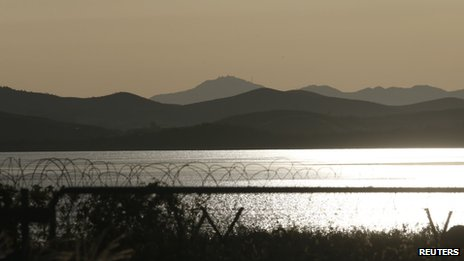 The Imjin River separates North Korea (top) and the South in this picture taken from the South in Paju, north of Seoul (16 September 2013)