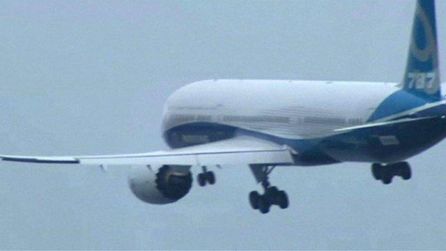 787-9 during maiden flight