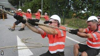 Singapore GP builders