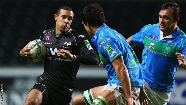 Eli Walker in action for the Ospreys