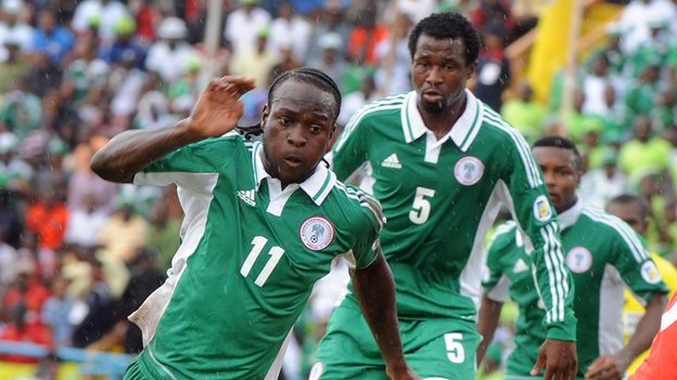Victor Moses (left)