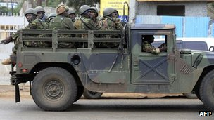 Kenya Defence Forces (KDF) arrive at the Westgate mall in Nairobi on 22 September, 2013.