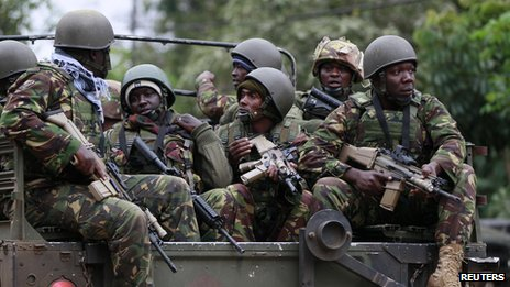 Soldiers from the Kenya Defence Forces (KDF) arrive at at the Westgate Shopping Centre in the capital Nairobi September 22, 2013